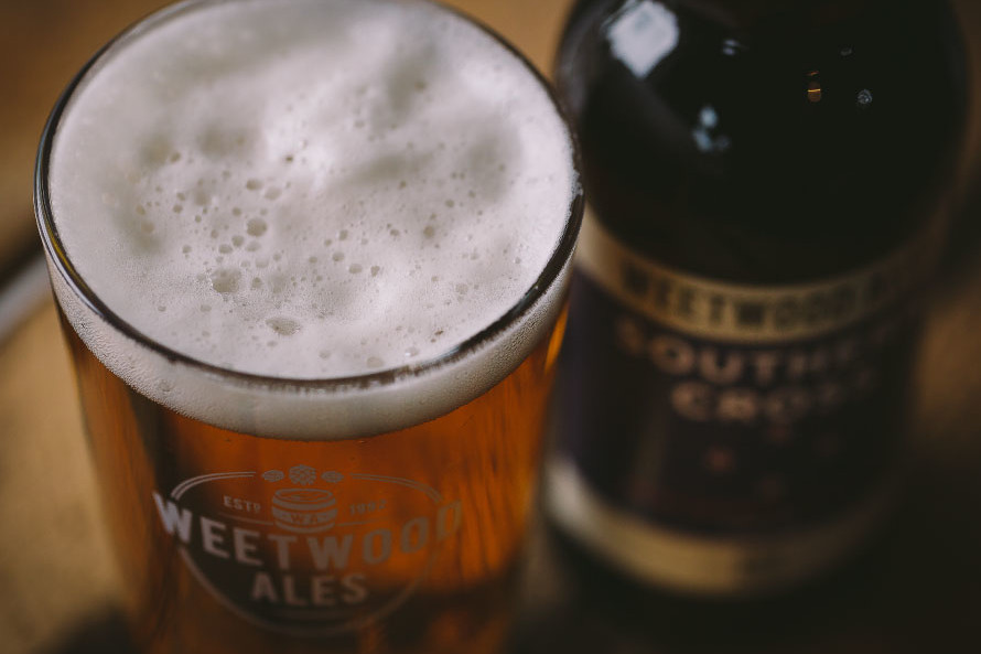 Weetwood Southern Cross bottle and pint